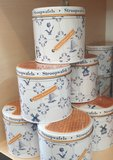 Tin with stroopwafels_