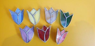 Handgemaakte tulpen broche van glas