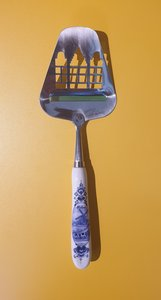 Cheese slicer canal houses Delft Blue