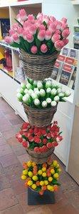 10 houten tulpen voor €20,-